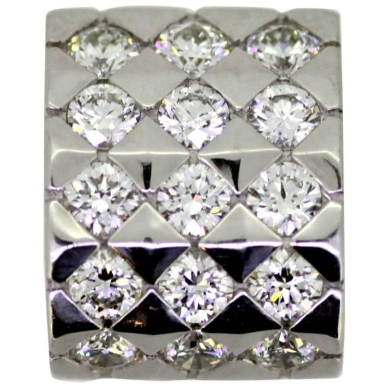 Boucheron, Vintage 18 Karat White Gold Pendant with Diamonds