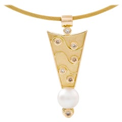 18 Carat Yellow Gold South Sea Pearl and Round Diamond Necklace