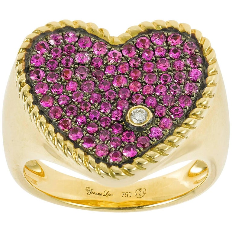 Yvonne Leon's ring Heart Shape in 18K Yellow Gold and Pink Sapphires