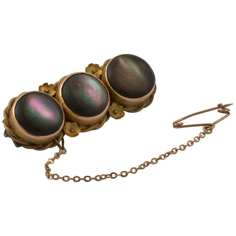 Victorian Mother-of-Pearl 15 Karat Gold Bar Brooch
