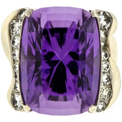 Impressive Vintage Amethyst Diamond and White Gold Cocktail Ring