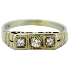 14 Karat White Gold Ring with Old Cut Diamonds, 1930s