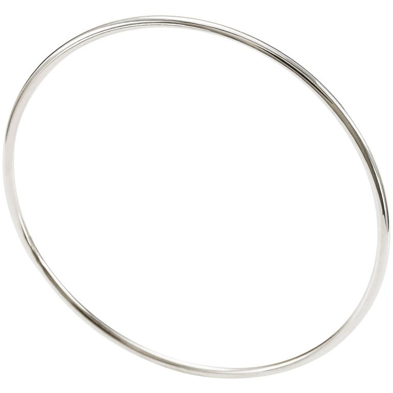 "Slim Bangle from the Collection ""Essence"" 18 Karat White Gold"