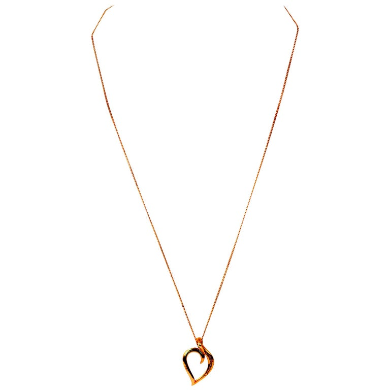Tiffany & Co. 18 Karat Gold Ladies Necklace with Heart Pendant, London, 1987