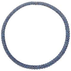 Flirt Collection 18 Karat White Gold Necklace in Blu Sapphire