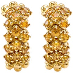 Flirt Collection 18 Karat Yellow Gold Pair of Earrings in Yellow Sapphire
