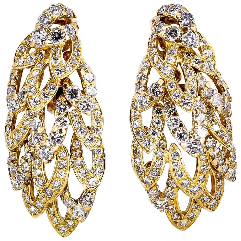 Chaumet Diamond and Gold Wings Ear Clips For Sale