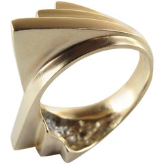 Emer Roberts Modern Curved Fan Ring