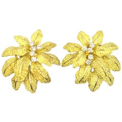 Italian Diamond 18 Karat Yellow Gold Floral Earrings