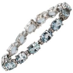 30.00 Carat Aquamarine and Diamond Straight Line Bracelet