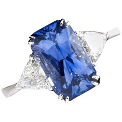 IGI Certified Natural Ceylon Sapphire Diamond Ring, 18 Karat