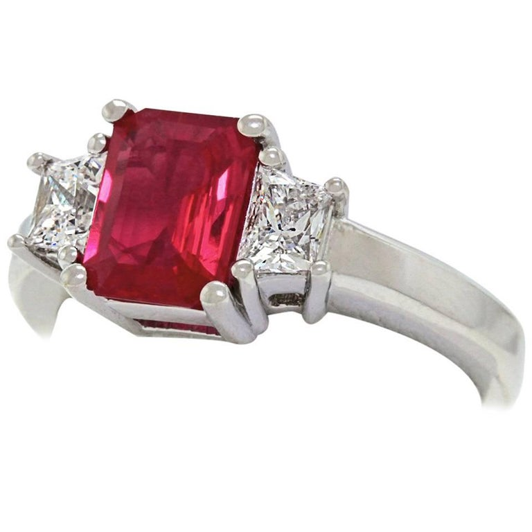 1.43 Carat Ruby and Diamond Set Gold Ring For Sale