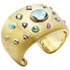 Aquamarine / Multi-Stone 18 Karat Gold Hammered Cuff