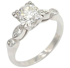 Vintage 0.93 Carat Round Diamond and Platinum Engagement Ring, circa 1940
