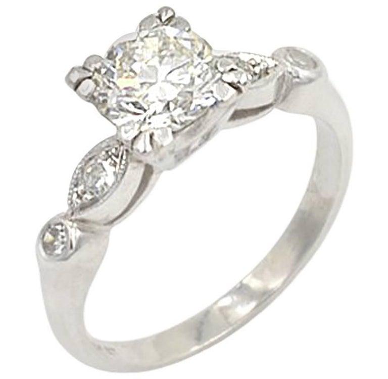 Vintage 0.93 Carat Round Diamond and Platinum Engagement Ring, circa 1940