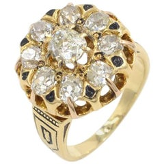 Victorian Old Mine Cut Diamond and 18 Karat Gold Cluster Ring, circa 1880s