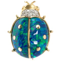 18 Karat Yellow Gold Beetle Pin