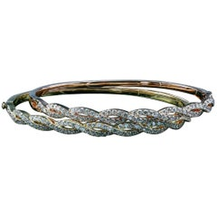 Stackable 18 Karat Diamond Bangles with 1.60 Carat of Round Brilliant Diamonds