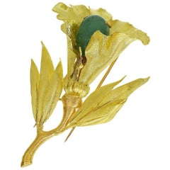 Buccellati Cabochon Emerald Flower Pin Brooch 18 Karat Yellow Gold