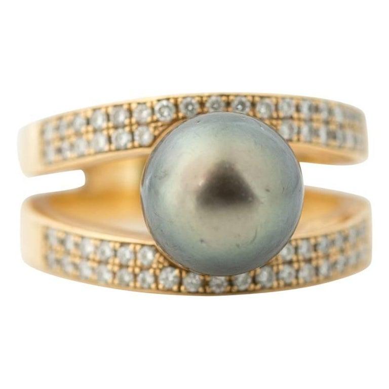 1990s Tahitian Pearl and Diamond Ring, 18 Karat Yellow Gold