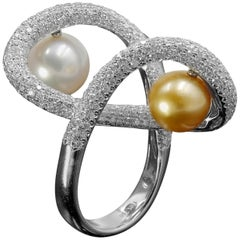 South Sea Pearl Cocktail Ring with 4.23 Carat of VS Diamonds in 18 Karat Gold
