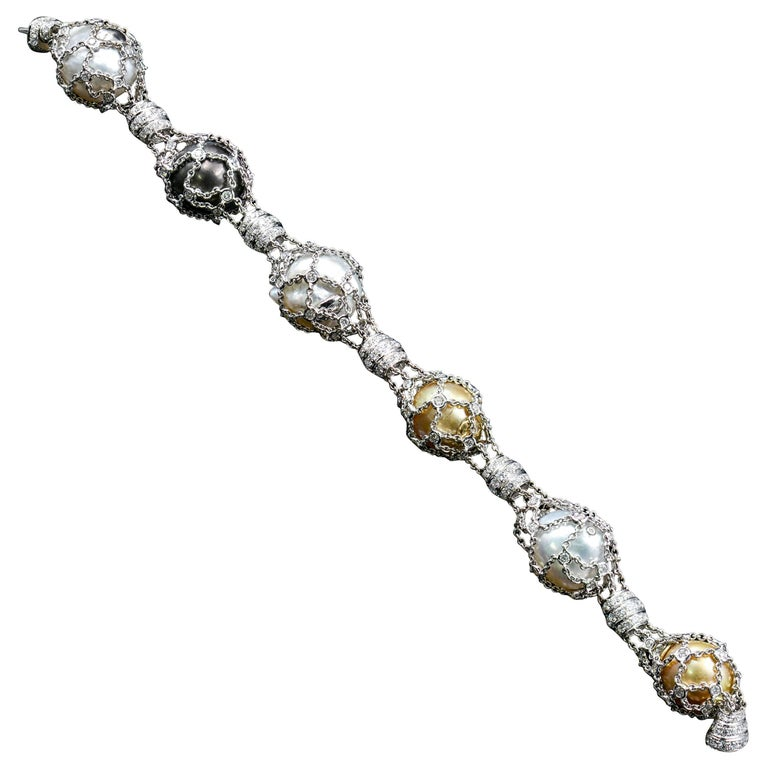 18 Karat Gold 7.02 Carat VS Diamond and South Sea and Tahitian Pearl Bracelet For Sale