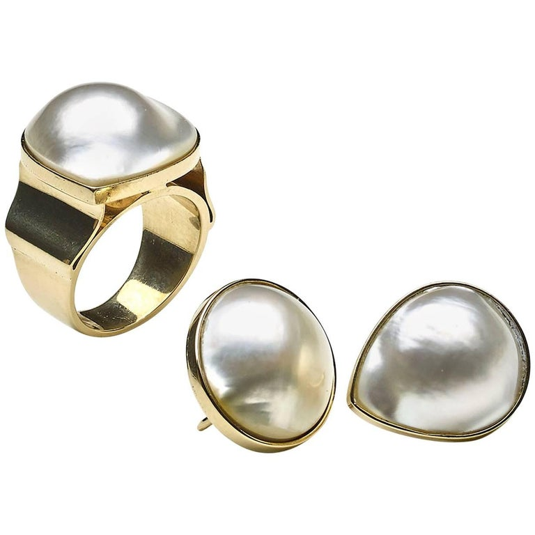 Mabe Pearl and Gold Earrings and Ring Suite For Sale