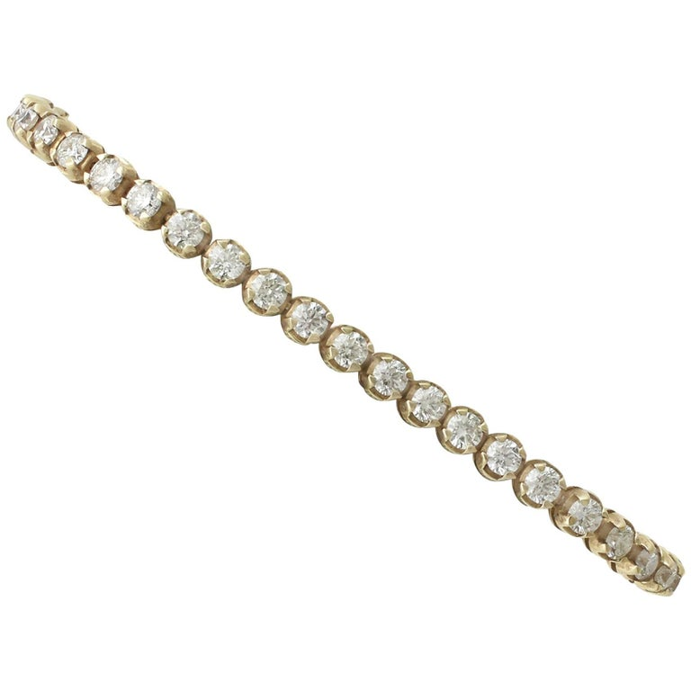 Contemporary 6.36 Carat Diamond Yellow Gold Tennis Bracelet