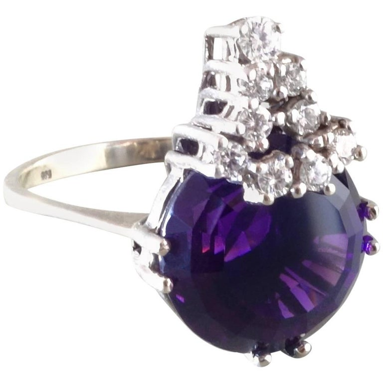 1970s Modernist Diamond Amethyst White Gold Cocktail Ring