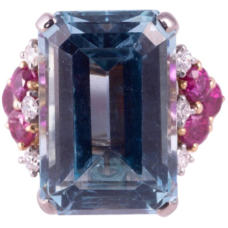Beautiful Aquamarine and Ruby and Diamond Ring For Sale