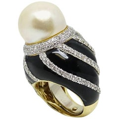 David Webb Cultured Pearl, Diamond and Enamel Yellow Gold Ring