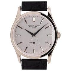 Patek Philippe White Gold Calatrava manual wind wristwatch Ref 5196G