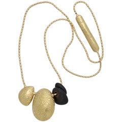 1980s Jan Yager Cool and Hip Reversible Long Wood and Gold Chain Necklace