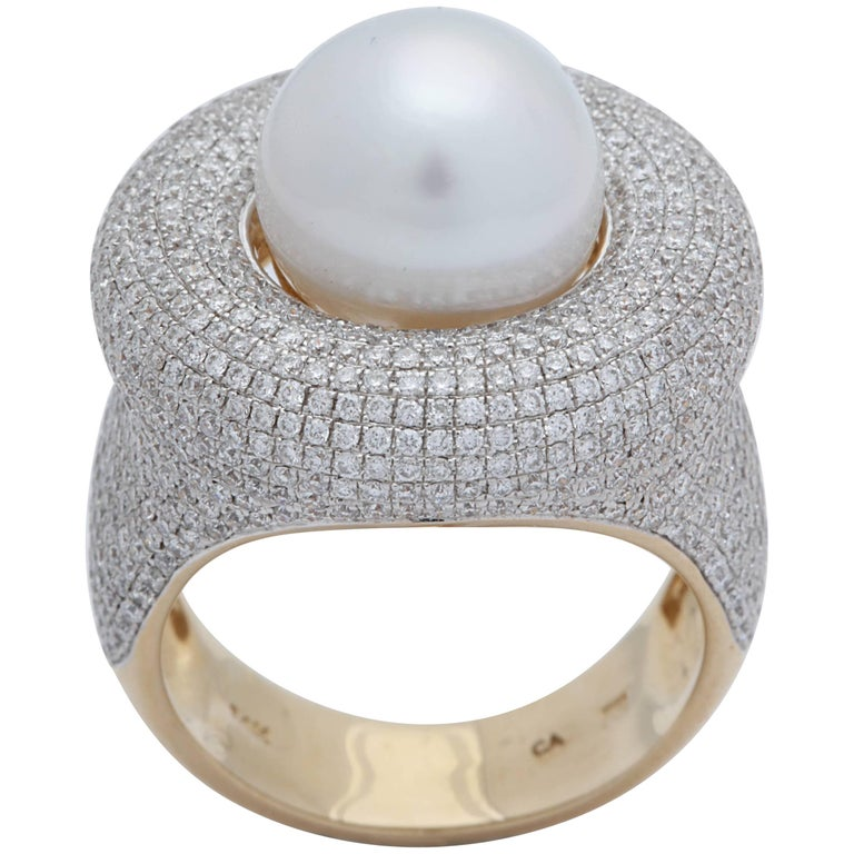 1980s Elegant Cultured Pearl with Diamonds White and Yellow Gold Cocktail Ring