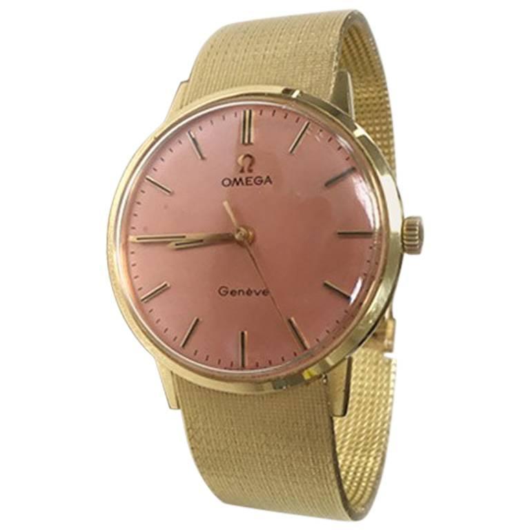 Omega 18 Karat Yellow Gold Mesh with Pink Dial Unisex Movement Wristwatch, 1970
