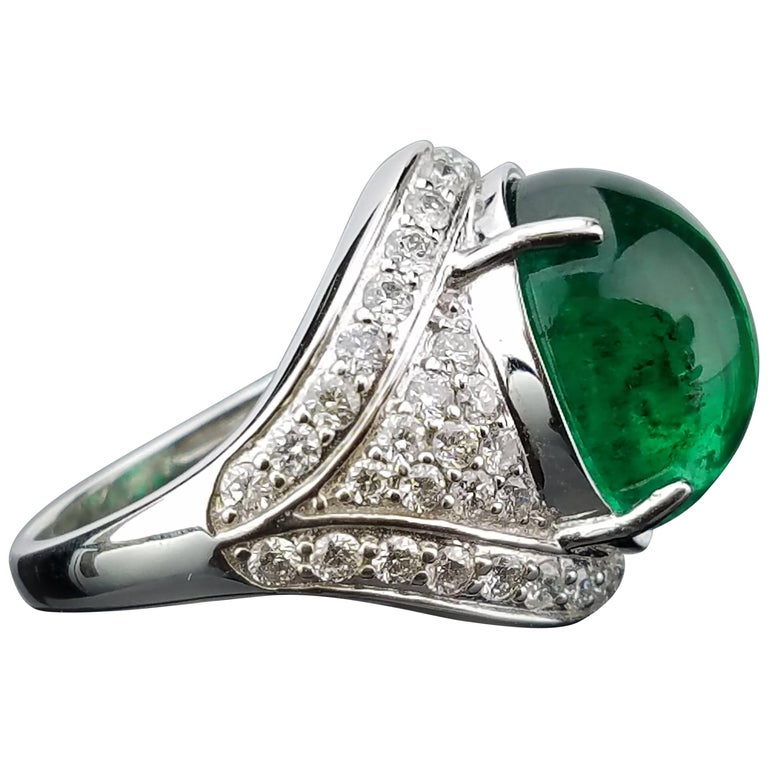 16.77 Carat Cabochon Emerald and Diamond Cocktail Unisex Ring