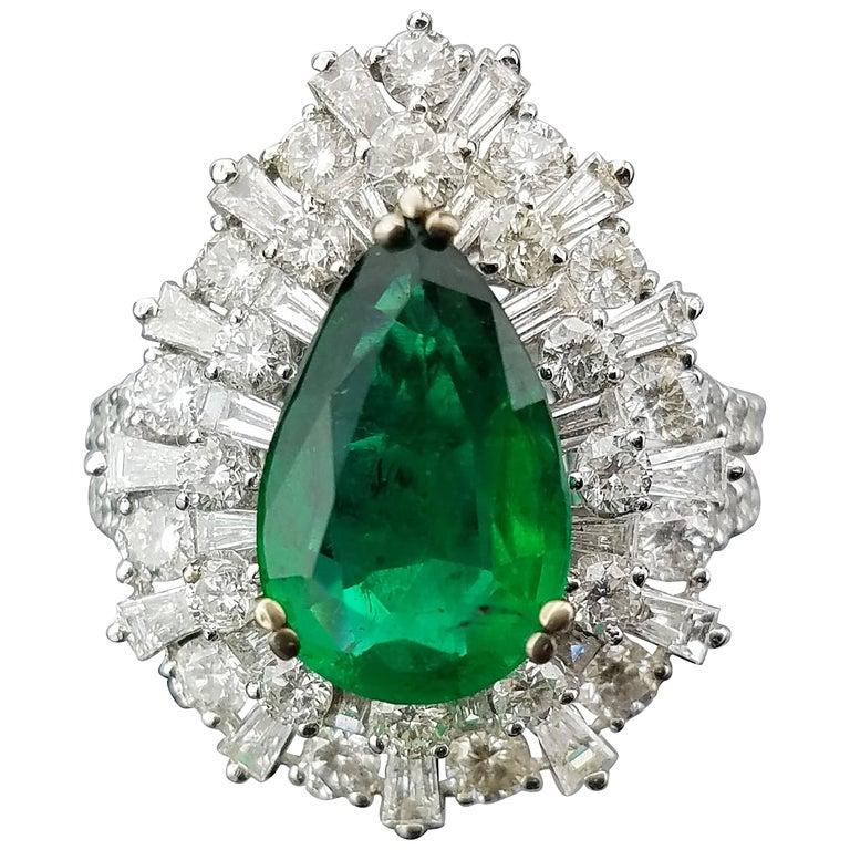 2.55 Carat Pear Shape Emerald and Diamond 18 Karat Gold Cocktail Ring