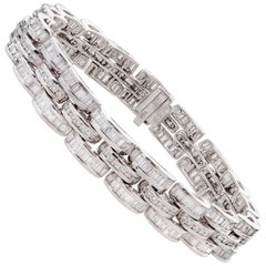 13.00 Carat Diamond Bracelet Set in 18 Karat White Gold