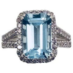 Aquamarine Diamond 18 Karat White Gold Ring