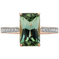 18 Karat Rose Gold Green Tourmaline 3.32 Carat and Diamond Ring