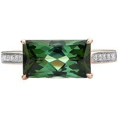 18 Karat Rose Gold Green Tourmaline 3.65 Carat and Diamond Ring