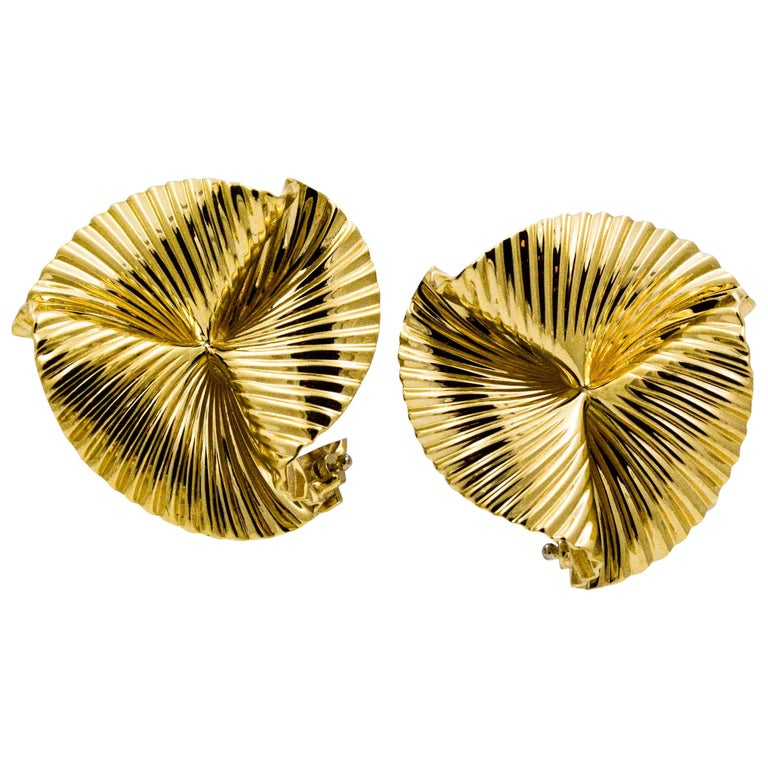 14 Karat Yellow Swirl Clip Back Earrings For Sale