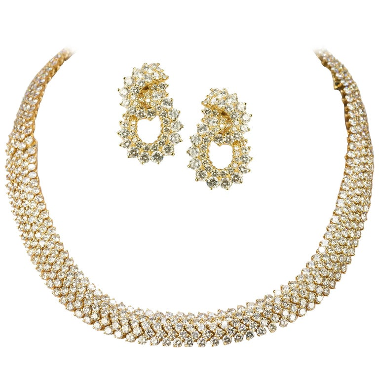 Kwiat Diamond Gold Necklace and Earring Suite