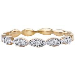 0.08 Carat Diamond Yellow Gold Interlocking Oval Band Ring