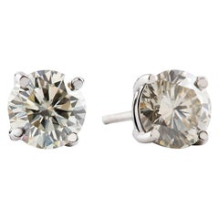 Platinum 2 Carat Round Brilliant Cut Diamond Earring Studs
