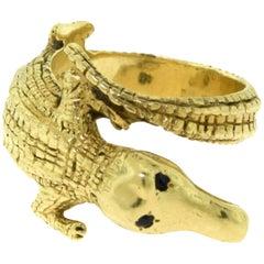 Estate Cartier Alligator 18 Karat Yellow Gold Finger Ring with Sapphire Eyes