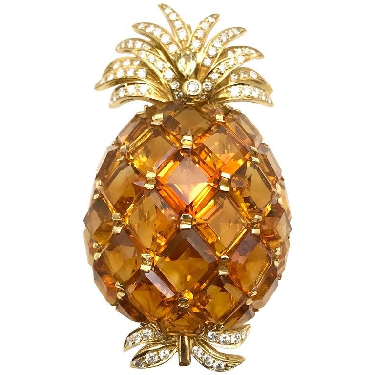 51.00 Carat Citrine and Diamond Yellow Gold Pineapple Pendant Brooch