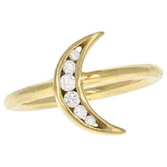 Lunette 18 Karat Yellow Natural Diamond Ring