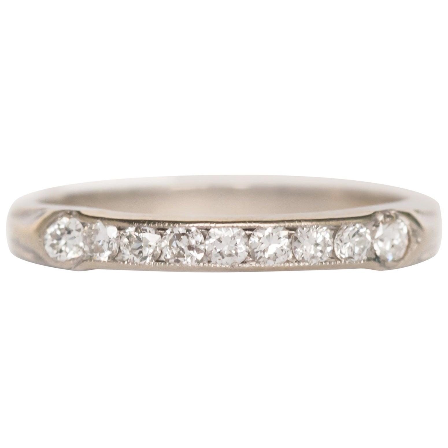 1920s Art Deco .10 Carat, Total Weight Diamond & Platinum Wedding Band