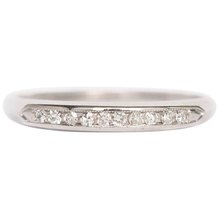 1920s Art Deco .10 Carat, Total Weight Diamond Platinum Wedding Band